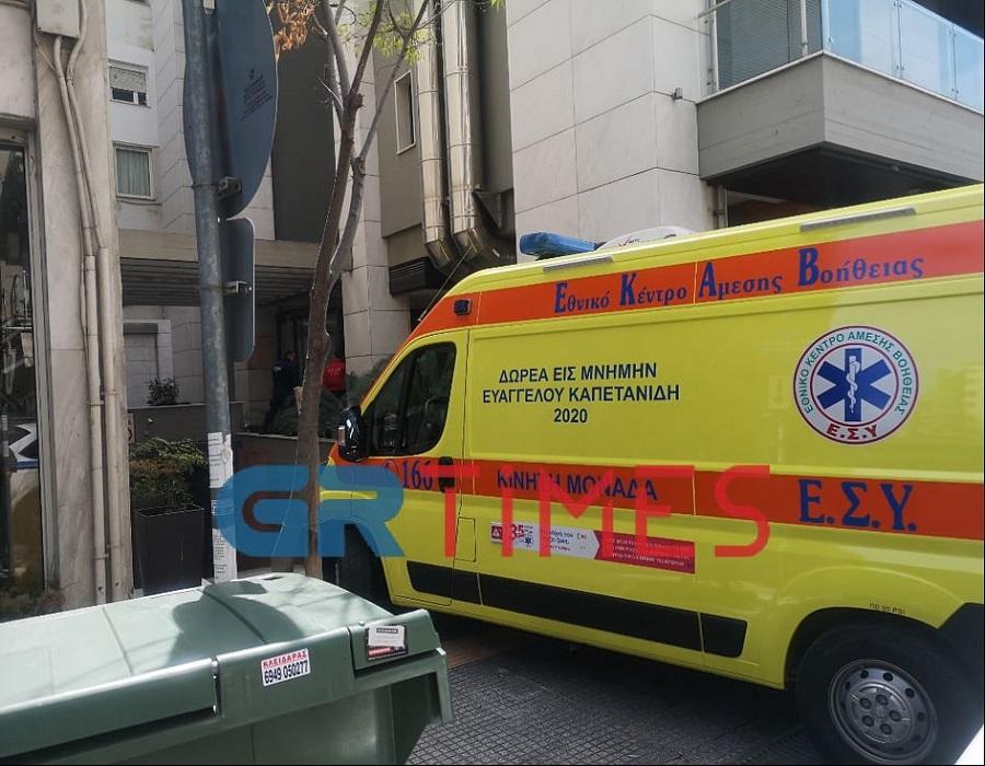 Θεσσαλονίκη Πτώση θανάτου άνδρα από τον 7ο όροφο πολυκατοικίας vid