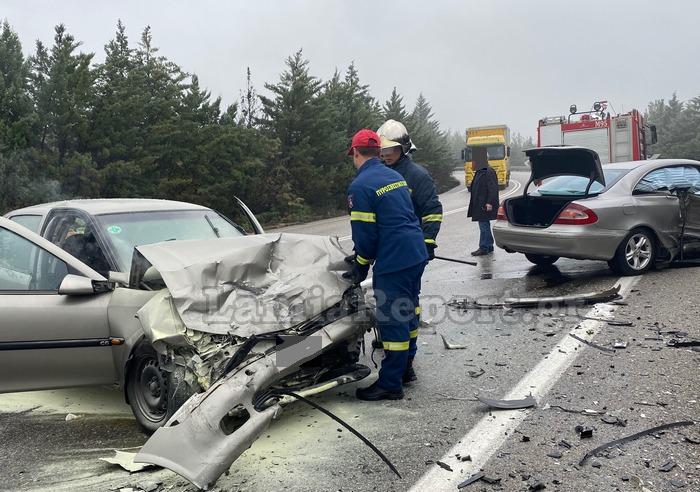 1618671517 512 Φθιώτιδα Τέσσερις τραυματίες σε σοκαριστικό τροχαίο – Σμπαράλια τα αυτοκίνητα