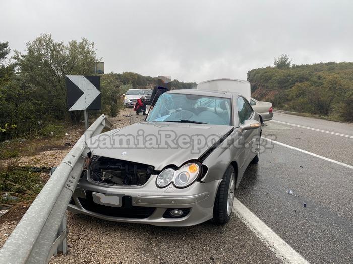 1618671517 696 Φθιώτιδα Τέσσερις τραυματίες σε σοκαριστικό τροχαίο – Σμπαράλια τα αυτοκίνητα