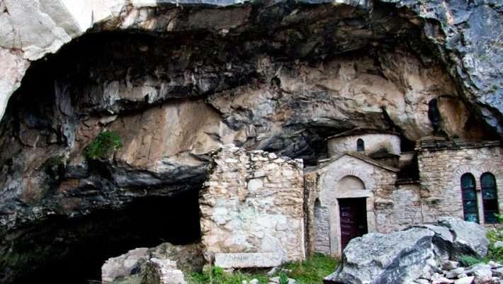 1624492551 550 Τα… στοιχειωμένα κτίρια στην Ελλάδα picsvids
