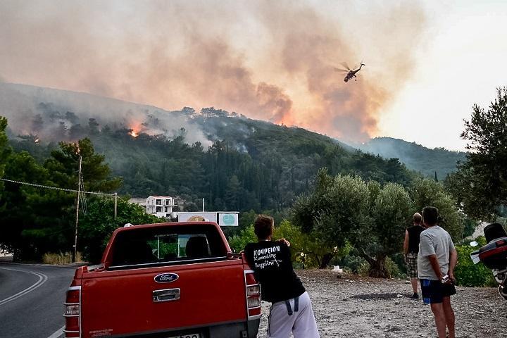 Αρχηγός Πυροσβεστικής: Καλύτερη η εικόνα της πυρκαγιάς στη Σάμο 1